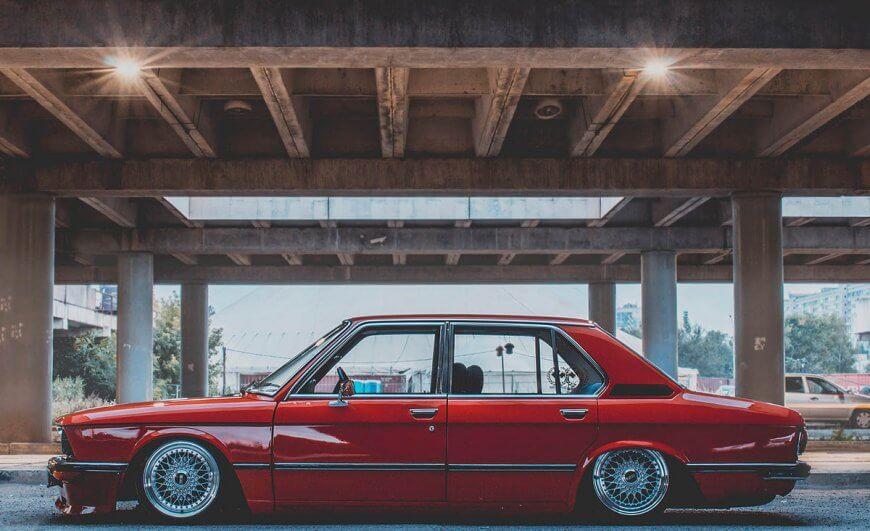 Oldschool luxury sedan